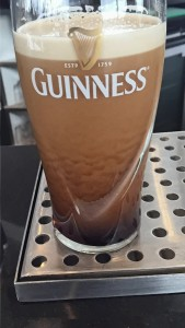 Pint of Guinness settling