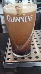 Pint of Guinness settling